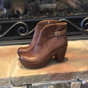 Kork-Ease High Booties Sz 8.5